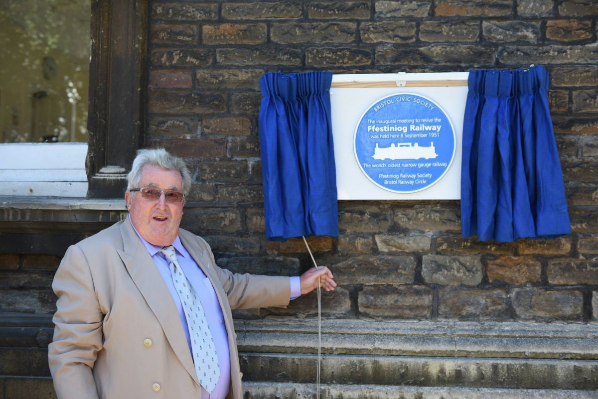 The Hon. Sir William McAlpine after the unveiling
