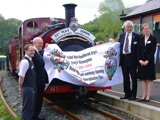 2009 - First train through the Aberglaslyn Pass