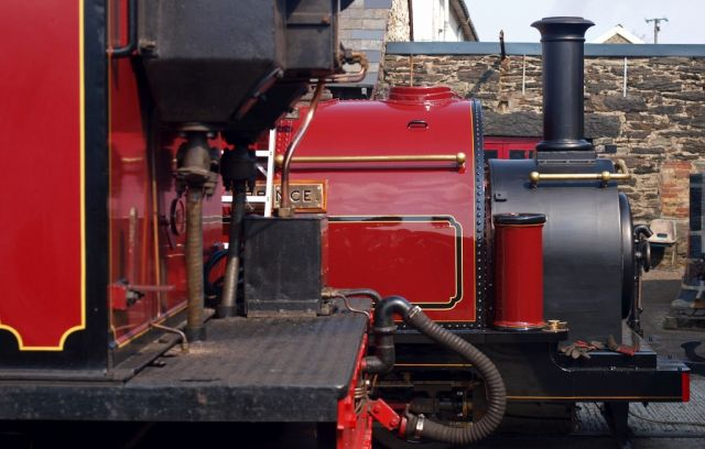 Prince alongside Garratt 138 - 100 years of narrow gauge steam evolution in one photograph.