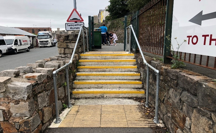 Flight of steps from street level up to Caernarfon Station platform