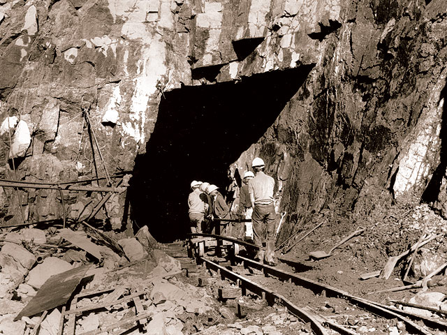 Deviationists working at the south and of Moelwyn Tunnel